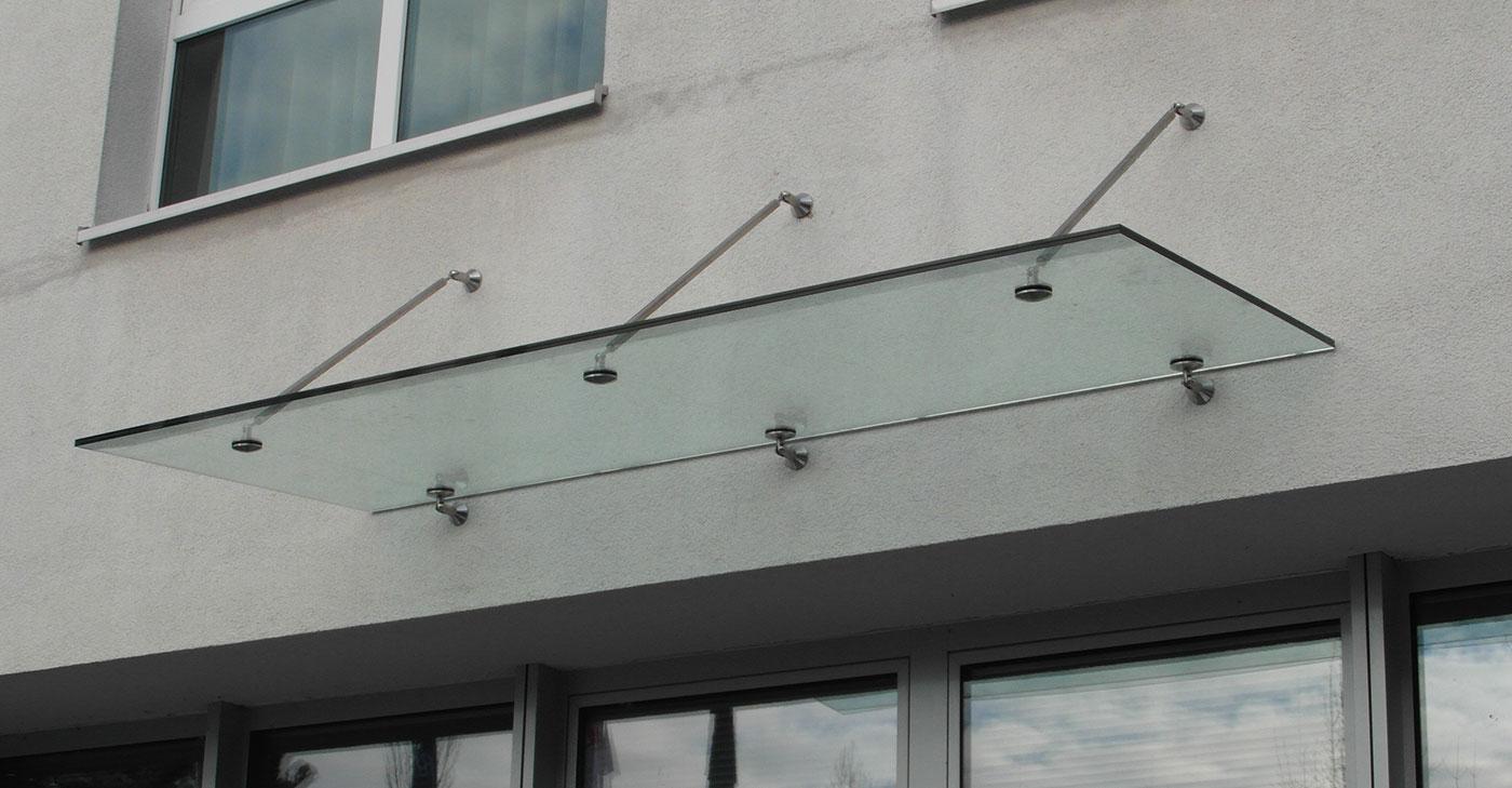 Vordach aus Glas von Heubelhuber in Eggenfelden